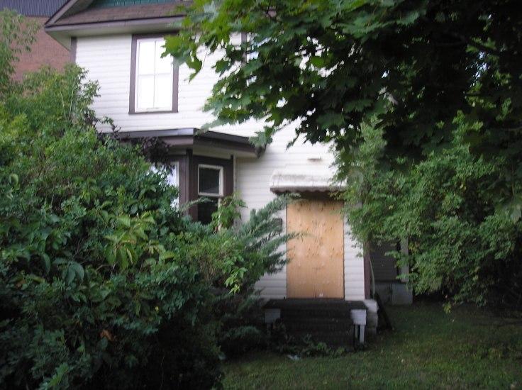 Ullett House, Woodroffe Avenue