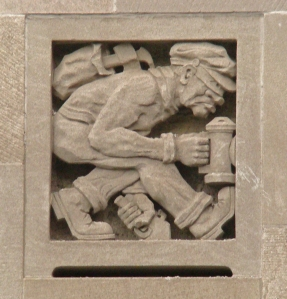 Willamsburgh_Savings_Bank_facade_burglar