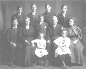 Macdonald Family of Chicago (bef 1910)