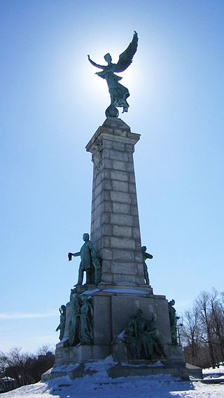 320px-Montreal_-_Parc_Mont-Royal,_Statue_d'Athéna_-_20050320